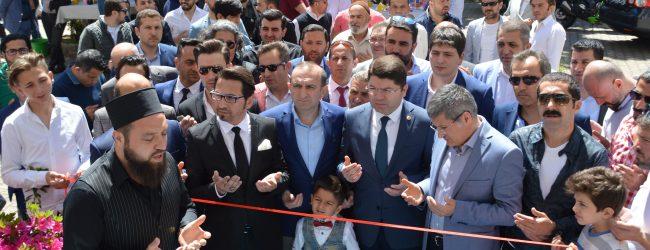 Uluslararası Başarıların Sahibi Pendikli Usta Kuaför Murat Akbaba Exclusive Şubesini Açtı