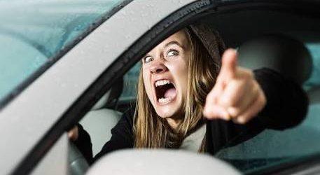 Köşe Yazısı | Trafik Öfkesi – Zeynep Turanlı