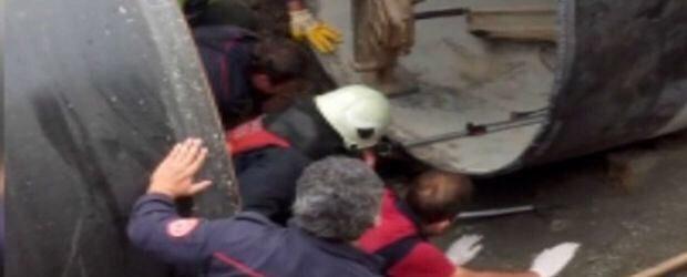 Video – Dev Borunun Altında Kalan Köpek Böyle Kurtarıldı
