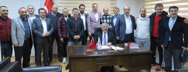 """Pendikspor'un Yeni Teknik Direktörü Ahmet Taşyürek: """"Şampiyon Olmaya Geldik"""""""