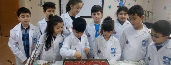 """Çocuklardan Mehmetçik'e """"ebru""""lu Mesaj"""
