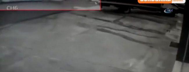 Pendik'te Kontrolden Çıkan Özel Halk Otobüsü Otomobili Böyle Sürükledi