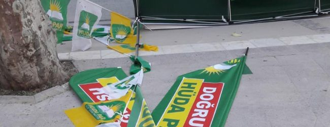 Pendik'te Seçim Çadırlarına Saldırı