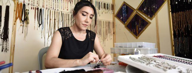 Türkiye'nin İlk Kadın Tespih Ustası