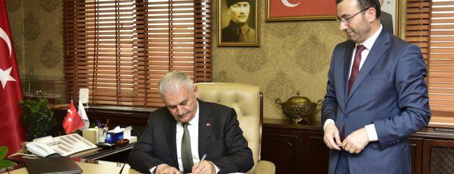 Binali Yıldırım Pendik'te Belediye Başkanı Ahmet Cin'i Tebrik Etti