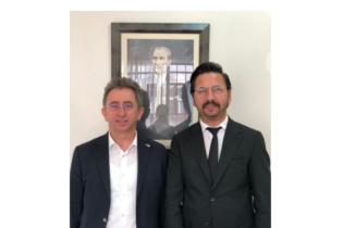 Kuaför Murat Akbaba'dan Türk Kızılay Pendik Şubesi'ne Ziyaret