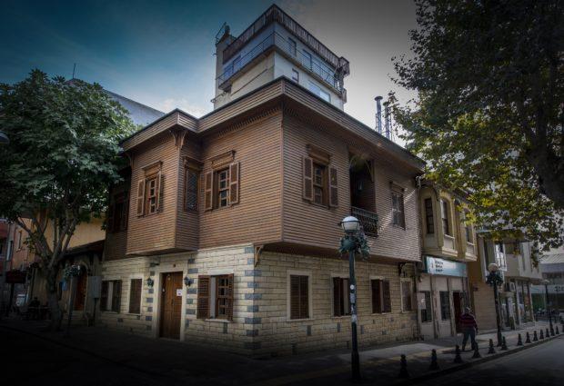 Türkiye'nin İlk Dijital Tabanlı Klasik Sanatlar Merkezi Pendik'te Açıldı