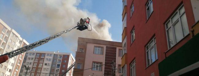 Esenler Mahallesi'nde Korkutan Yangın – Mahalleli Sokakta