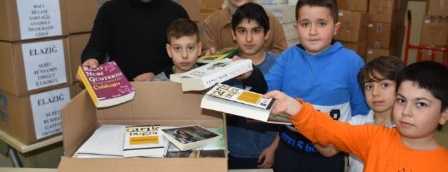 Pendik'ten Elazığlı Öğrencilere Kitaplarını Gönderiyorlar