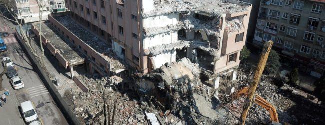 Video Haber | Pendik Belediye Binası Yıkılıyor
